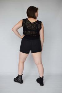 Zwarte top met kanten rug