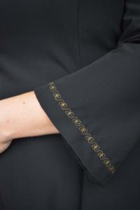 Zwarte jurk met gouden detail